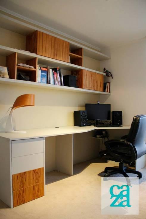 DEPARTAMENTO Y ATELIER: Estudios y oficinas de estilo clásico por caza Studio