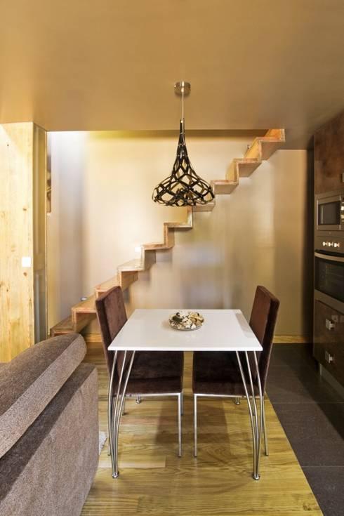 Comedores de estilo  por RH Casas de Campo Design