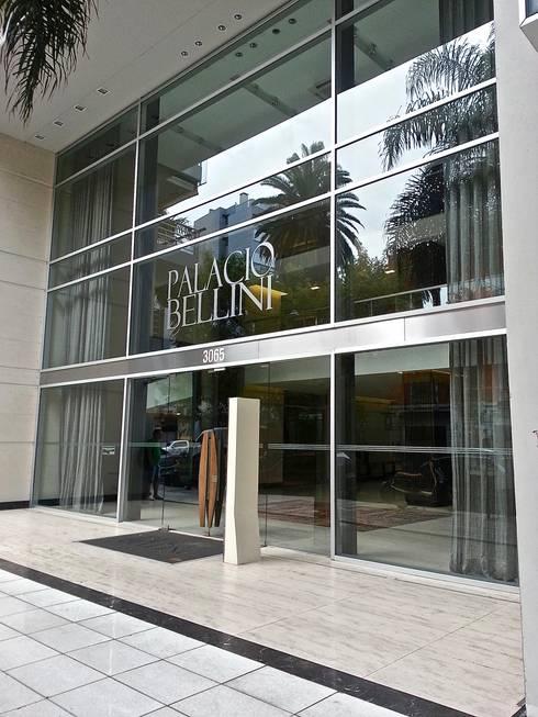 PALACIO BELLINI:  de estilo  por HOME UP