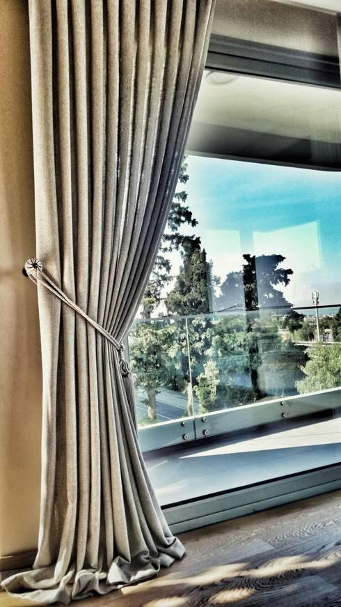 ege perde – SMRYNA PARK EVLERİ:  tarz Oturma Odası