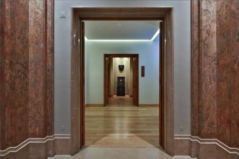 Grupo Pestana: Pousada de Lisboa: Paredes  por Strong Wood Floors