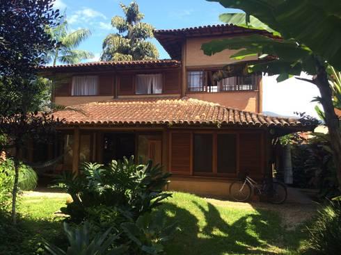 RESIDÊNCIA FM: Casas rústicas por MADUEÑO ARQUITETURA & ENGENHARIA