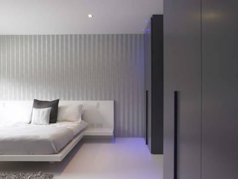 Bedroom Design: modern Bedroom by Quirke McNamara