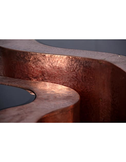 WAVE Table (Big) copper: Sala de estar  por Be-Luxus