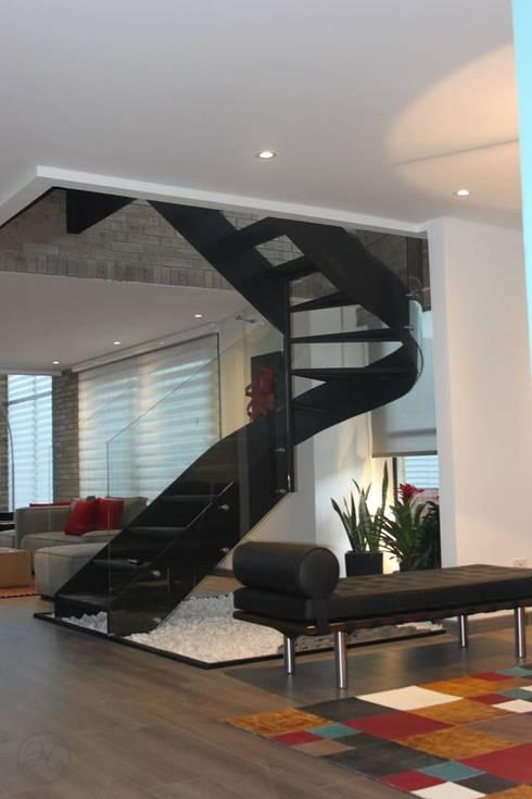走廊 & 玄關 by Home Reface - Diseño Interior CDMX