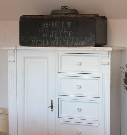 Romantisches Schlafzimmer Update: landhausstil Schlafzimmer von Me & Harmony