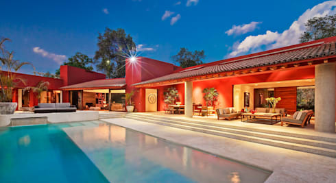 Casa las Moras : Albercas de estilo moderno por Lopez Duplan Arquitectos
