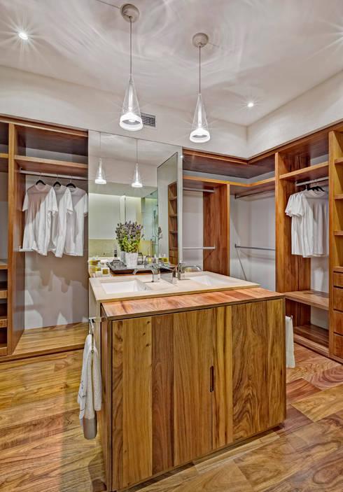 Departamento Parque Reforma : Vestidores y closets de estilo  por Lopez Duplan Arquitectos