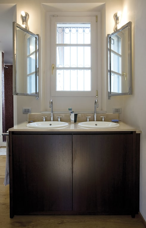 Penthouse in legno: Bagno in stile  di PAZdesign