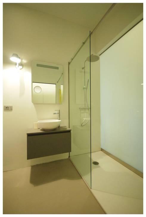 Appartamento privato - Rovereto: Bagno in stile in stile Minimalista di masetto snc