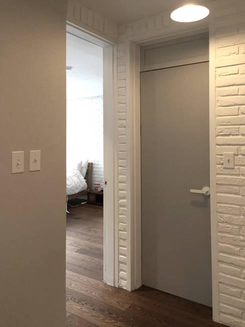 압구정동 현대아파트 8차: mobcreative의  거실