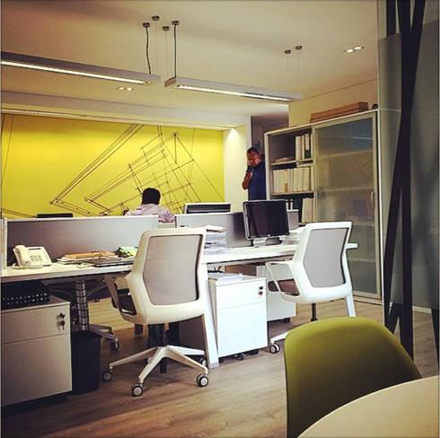 Corporativo PYDI: Estudios y oficinas de estilo moderno por ARCO Arquitectura Contemporánea