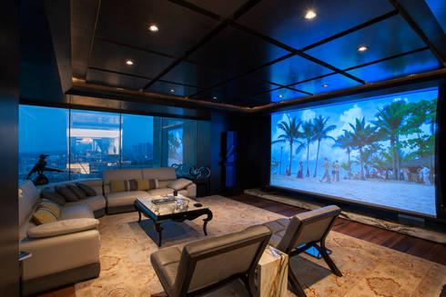 Departamento ASL : Salas multimedia de estilo moderno por ARCO Arquitectura Contemporánea