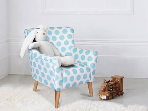 Sala – Living Room – Salon: Quarto de crianças  por Escolha Viva, Lda