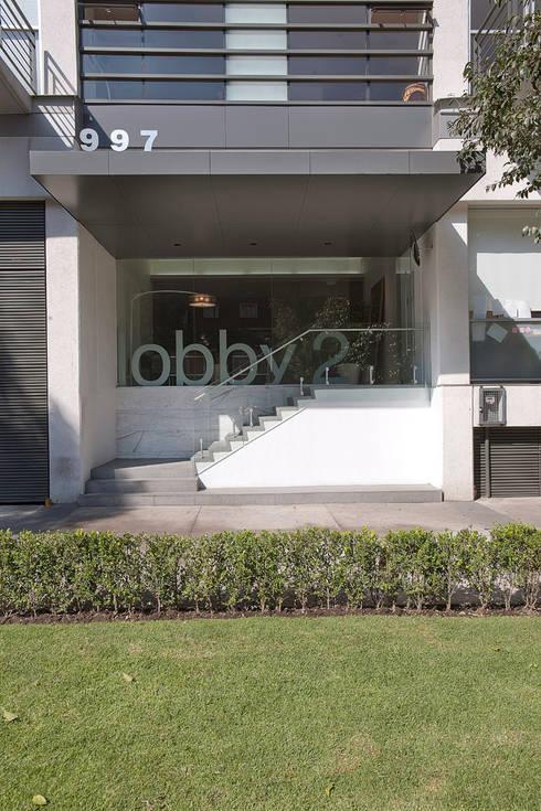 Skyview del Valle: Jardines de estilo moderno por ARCO Arquitectura Contemporánea