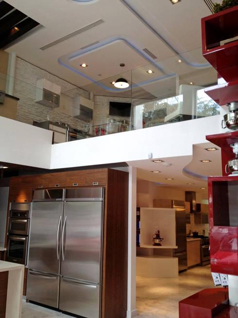 Kitchen Aid Polanco : Salas de estilo moderno por ARCO Arquitectura Contemporánea