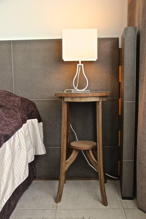 DORMITORIO PRINCIPAL 4: Dormitorios de estilo  por HOME UP