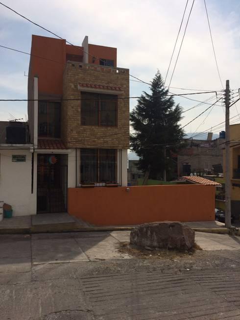 Houses by Taller Esencia