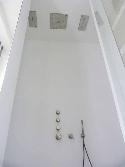 Pavimenti in resina infinity indoor ad alta resistenza di - Pavimenti bagno in resina ...