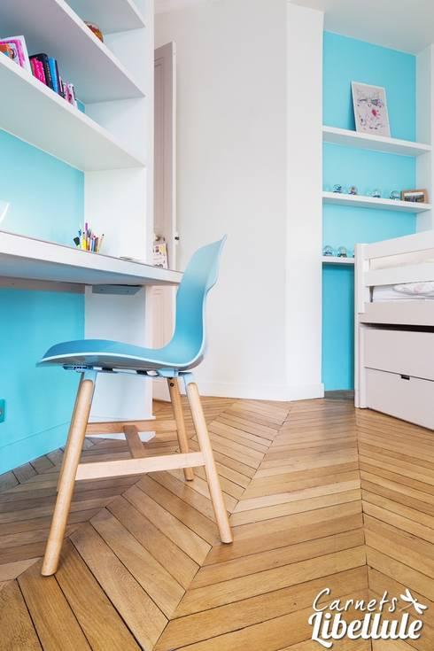 parquet chambre fille deco chambre petite fille chaise inoui la chambre de couleur table deco. Black Bedroom Furniture Sets. Home Design Ideas