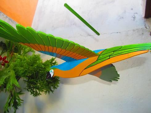 Guacamaya turquesa, verde y amarillo: Arte de estilo  por Artesania Ikare