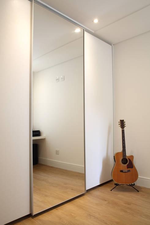 Dormitorios de estilo  por Studio 262 - arquitetura interiores paisagismo
