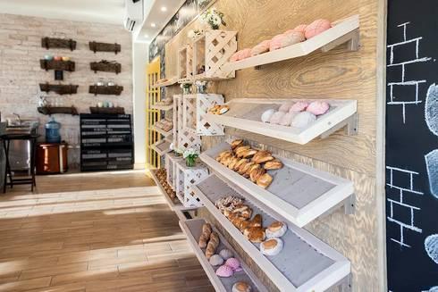 Macizo Carpintería: Oficinas y tiendas de estilo  por Macizo Carpintería Mx