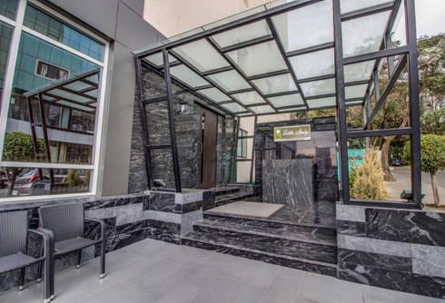 Little Italy Pune:  Terrace by Aijaz Hakim Architect [AHA]