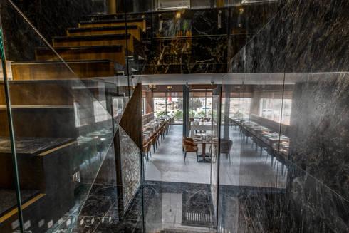 Little Italy Pune:  Corridor & hallway by Aijaz Hakim Architect [AHA]