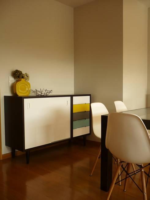 Apartamento Matosinhos: Salas de jantar modernas por Kohde