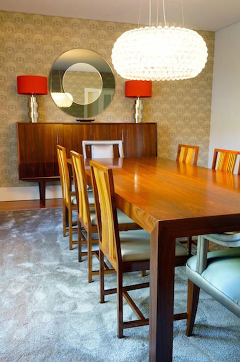 Moradia Porto: Salas de jantar modernas por Kohde