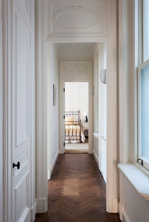 ​The hallway at the Mansfield Street Apartment.:  Corridor & hallway by Nash Baker Architects Ltd