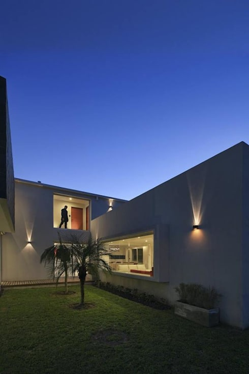 Casa RA: Casas de estilo  por Pablo Anzilutti | Arquitecto
