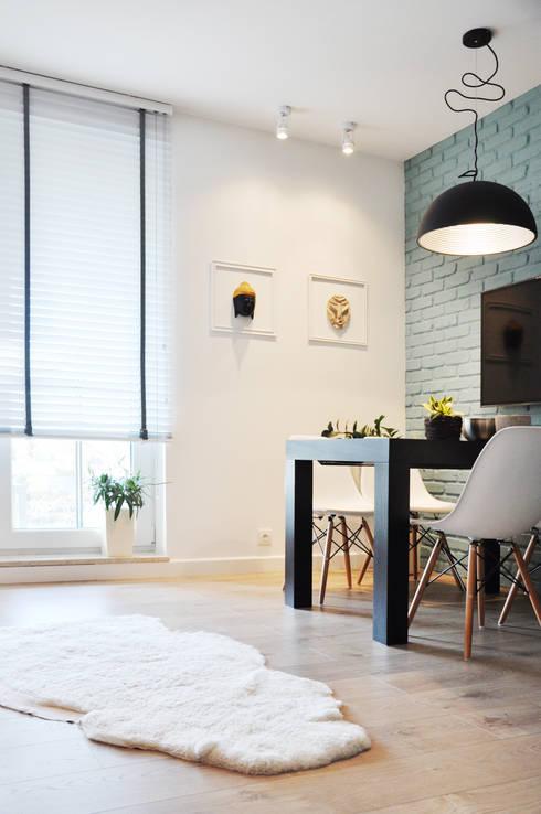 Metamorfoza: styl , w kategorii Salon zaprojektowany przez Nidus Interiors Dominika Wojciechowska