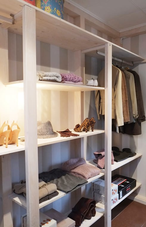 Walk in closet de estilo  por Contesini Studio & Bottega