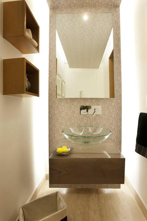 Armoni : Baños de estilo  por ARCO Arquitectura Contemporánea