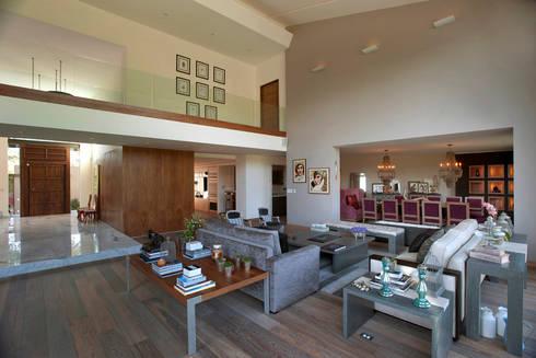 Casa LC: Salas de estilo moderno por ARCO Arquitectura Contemporánea