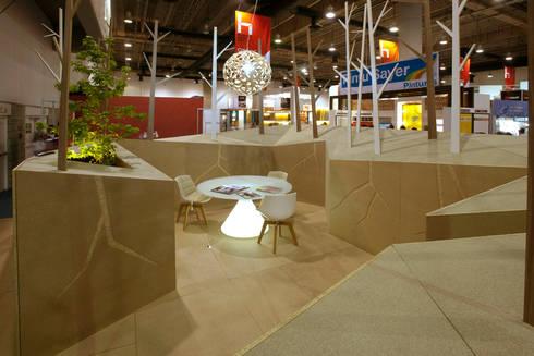 Pabellon Tendencias Elemento Tierra : Salas de estilo moderno por ARCO Arquitectura Contemporánea