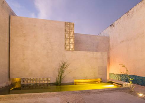 CASA GABRIELA: Casas de estilo moderno por TACO Taller de Arquitectura Contextual