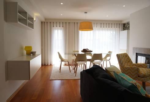 Apartamento V.N. de Gaia: Salas de jantar modernas por Kohde