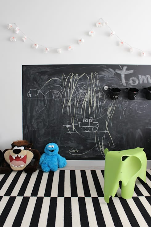 Nursery/kid's room by Artspazios, arquitectos e designers