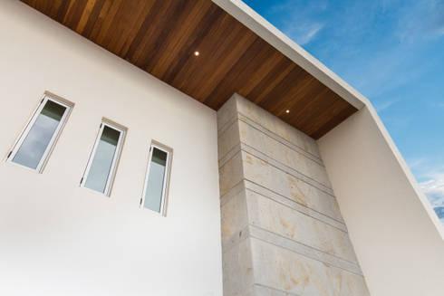 Casa CG: Casas de estilo moderno por Grupo Arsciniest