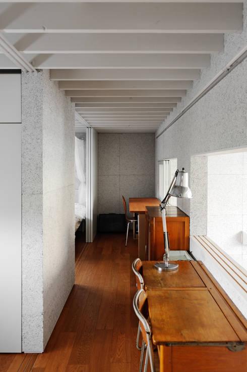 ห้องนอนเด็ก by 株式会社長野聖二建築設計處