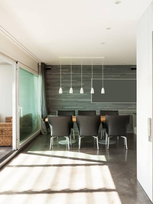 Salle à manger: Salle à manger de style  par Deco-Daix