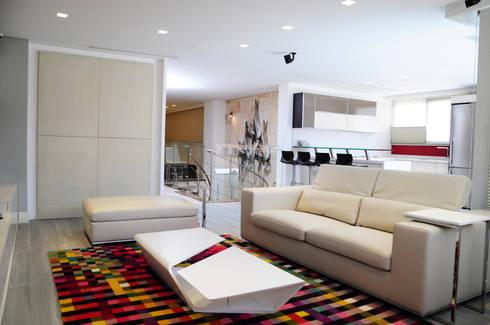 PH 63C: Salas / recibidores de estilo moderno por TRIBU ESTUDIO CREATIVO