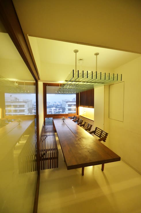 Dining room: minimalistic Dining room by The White Room