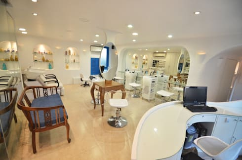 Salon Reception: modern Spa by The White Room