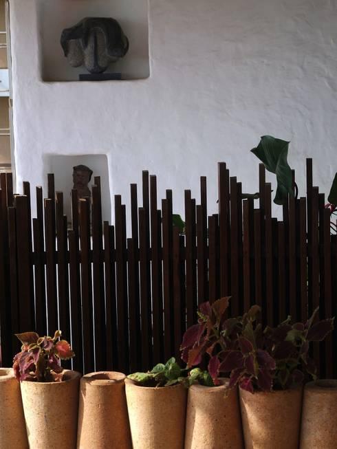 Jardines de estilo  por The White Room