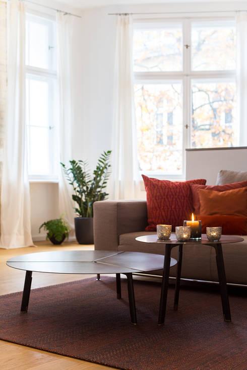 Living room by CONSCIOUS DESIGN - INTERIORS