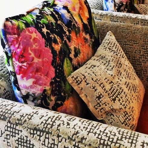 Uma decoração depurada: Sala de estar  por Architect Your Home